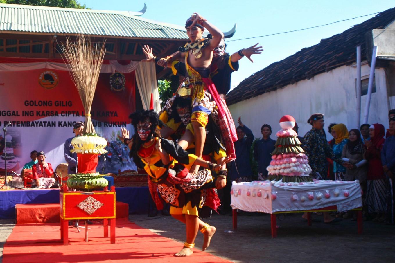 Merti Golong Gilig ritual shows battle of good vs evil