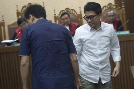 Agung Podomoro employee gets 2.5 years