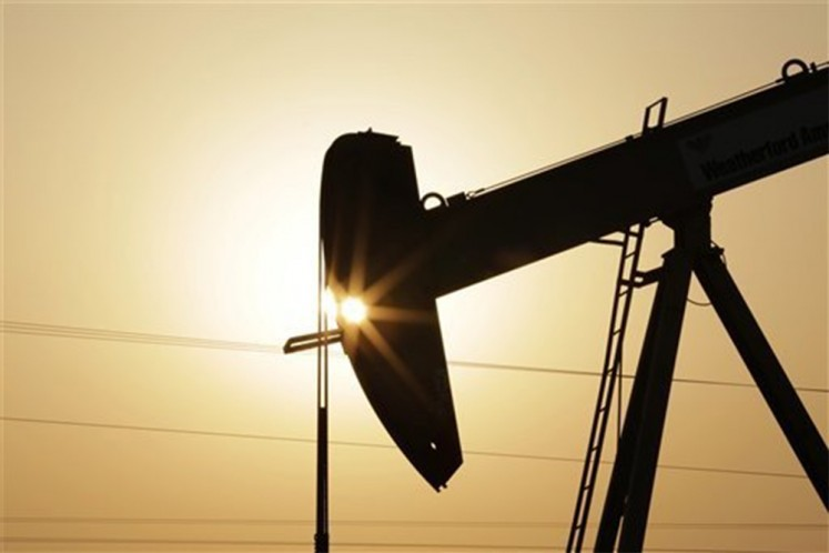 Worrying signs still continue in oil and gas sector