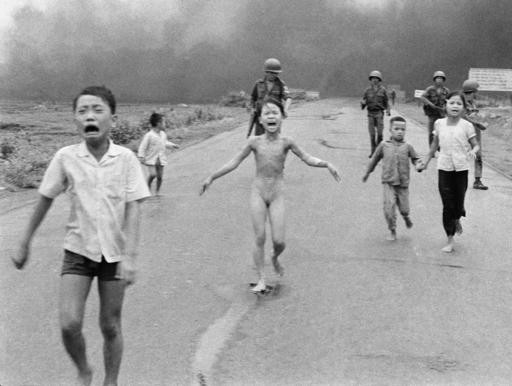 Facebook allows postings of 'napalm girl' photo after debate