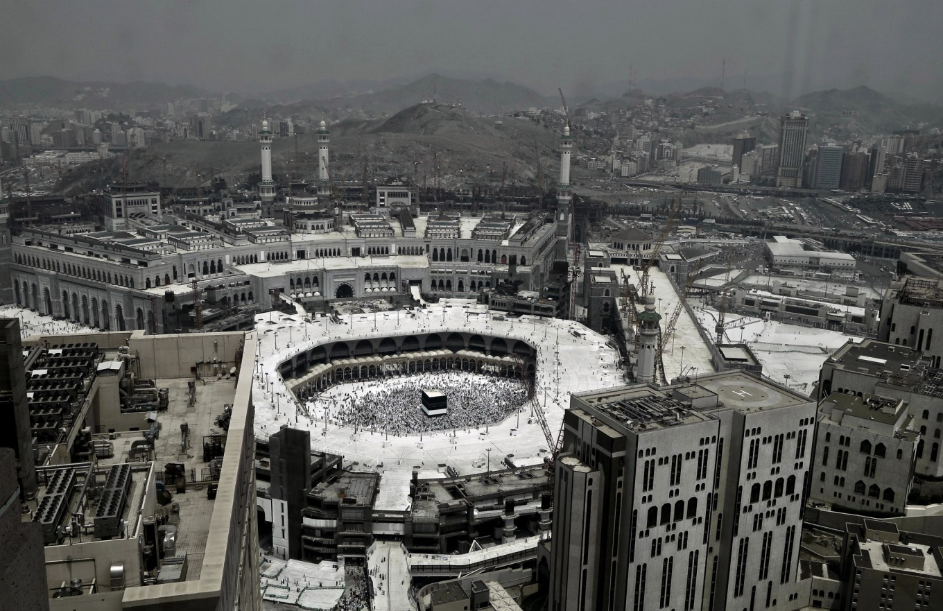 Muslims gather for climax of hajj pilgrimage