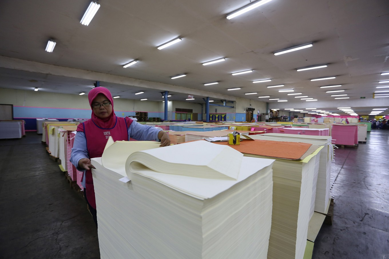 Indonesia reports Australia to WTO over paper duties