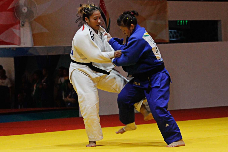 East Java judokas protest 'unfair' decision