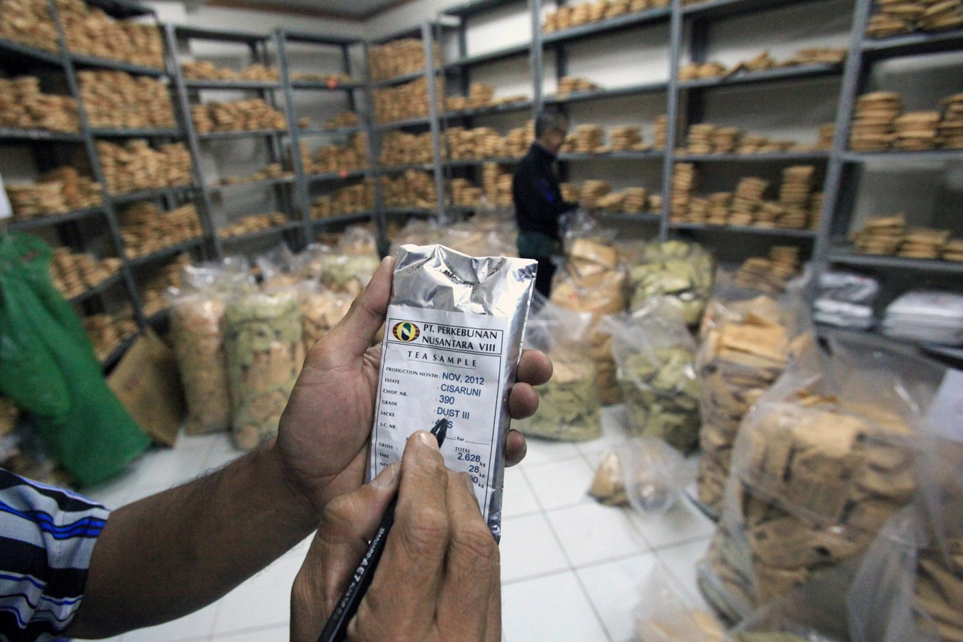 Indonesia struggling to maintain tea production