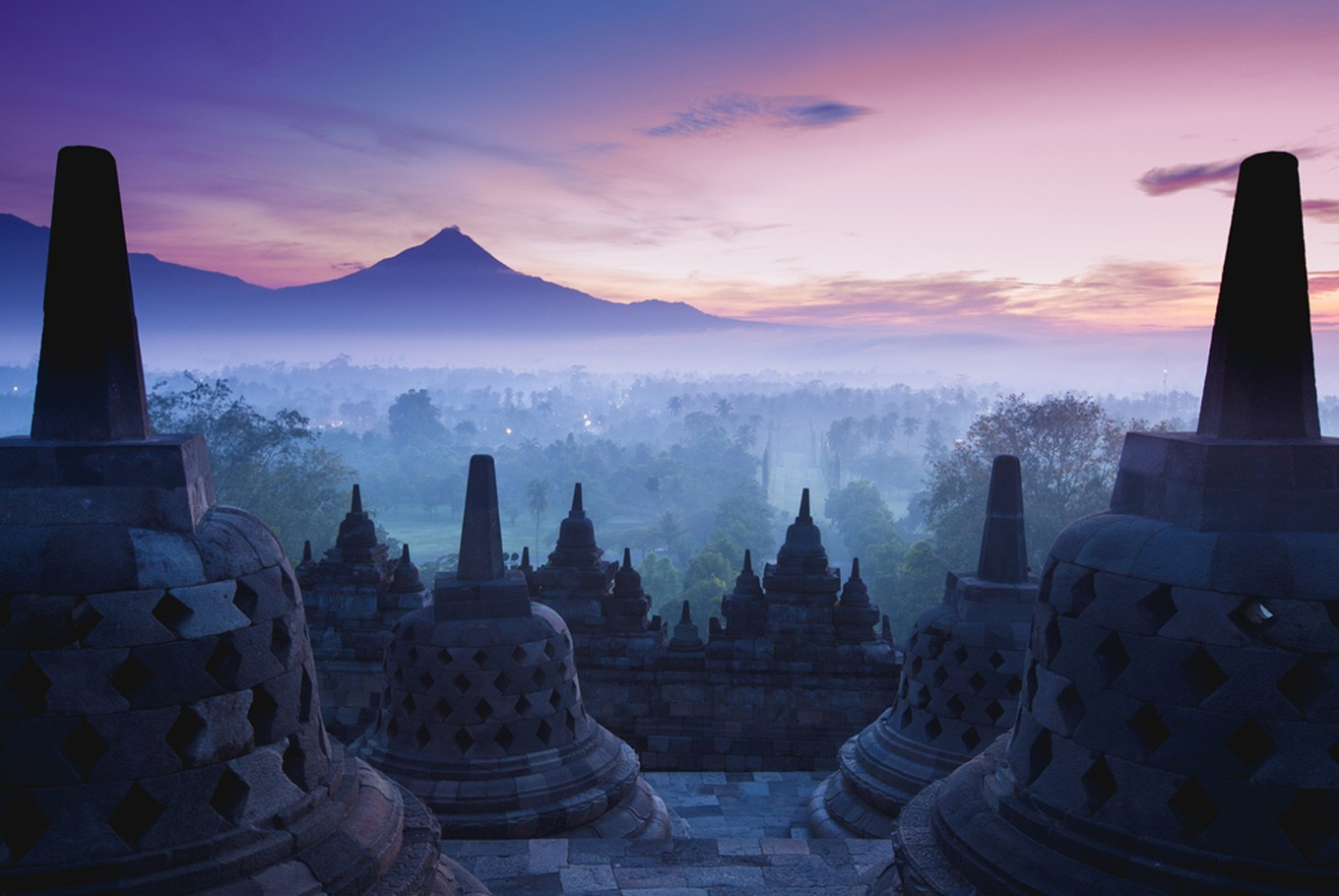 Borobudur sprayed with disinfectant, closed to public until late March