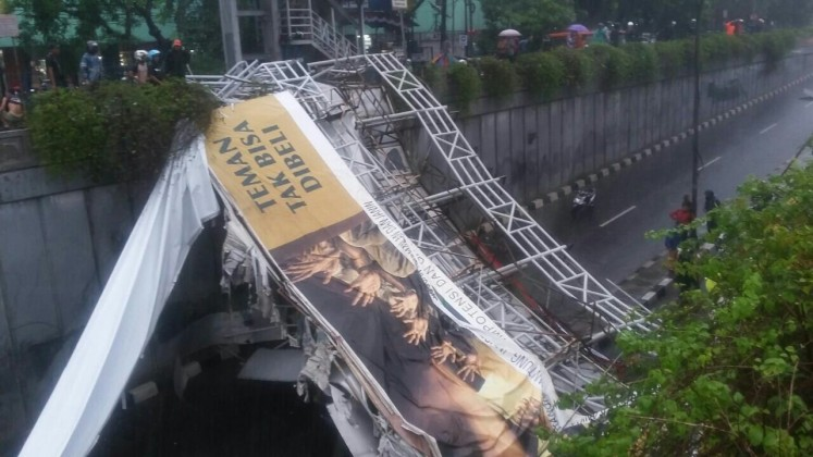 Pasar Minggu bridge collapses, 3 dead