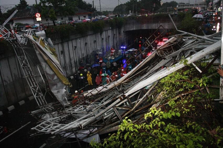 Jakarta has many unsafe footbridges: Ahok