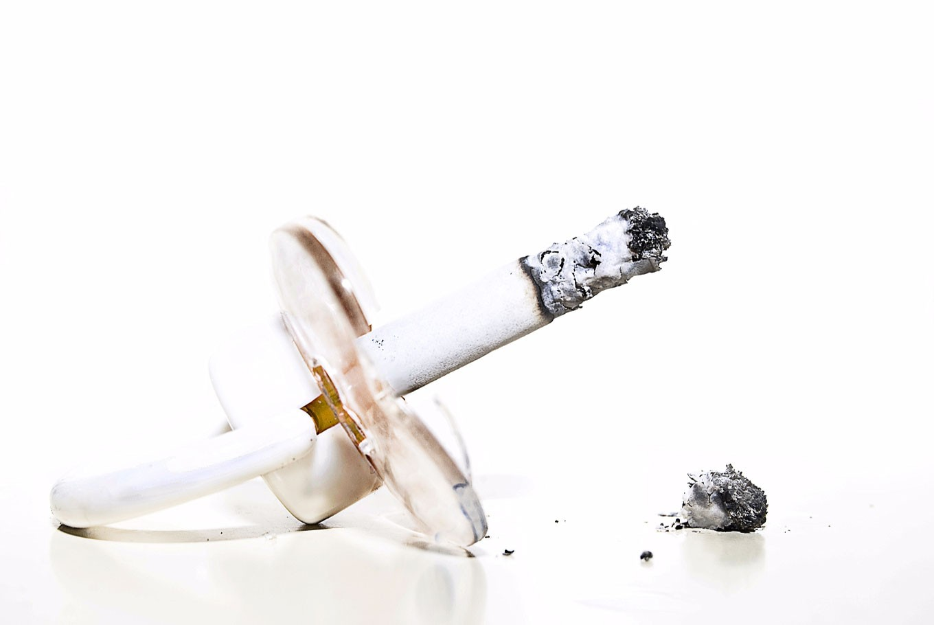 Why passive smoking is harmful for your children