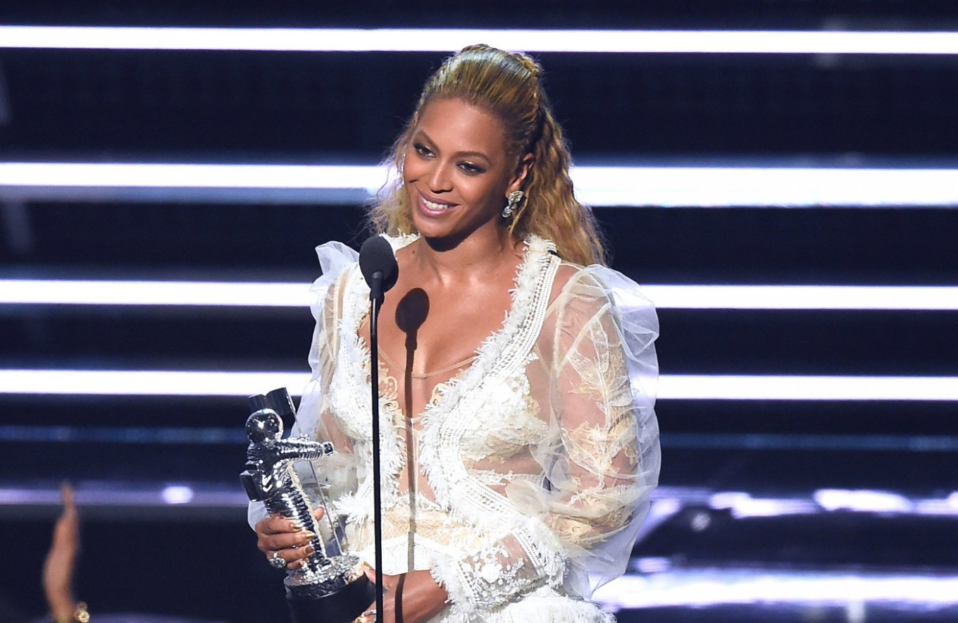 Beyonce and Bieber lead the nominations for MTV EMAs
