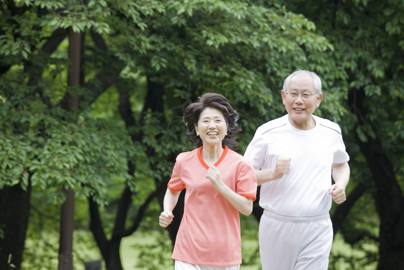 Do Asians really age more slowly?