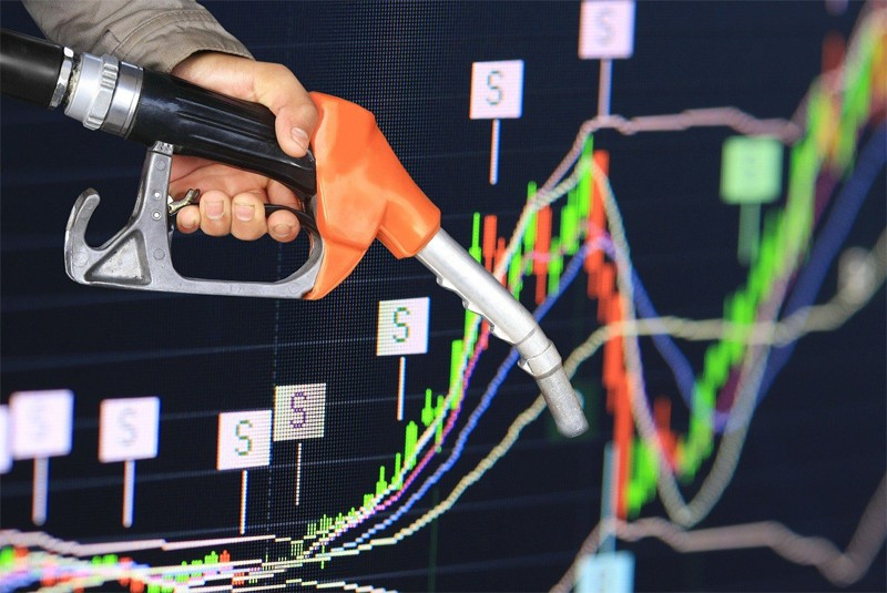 How the U.S. oil price fell below zero