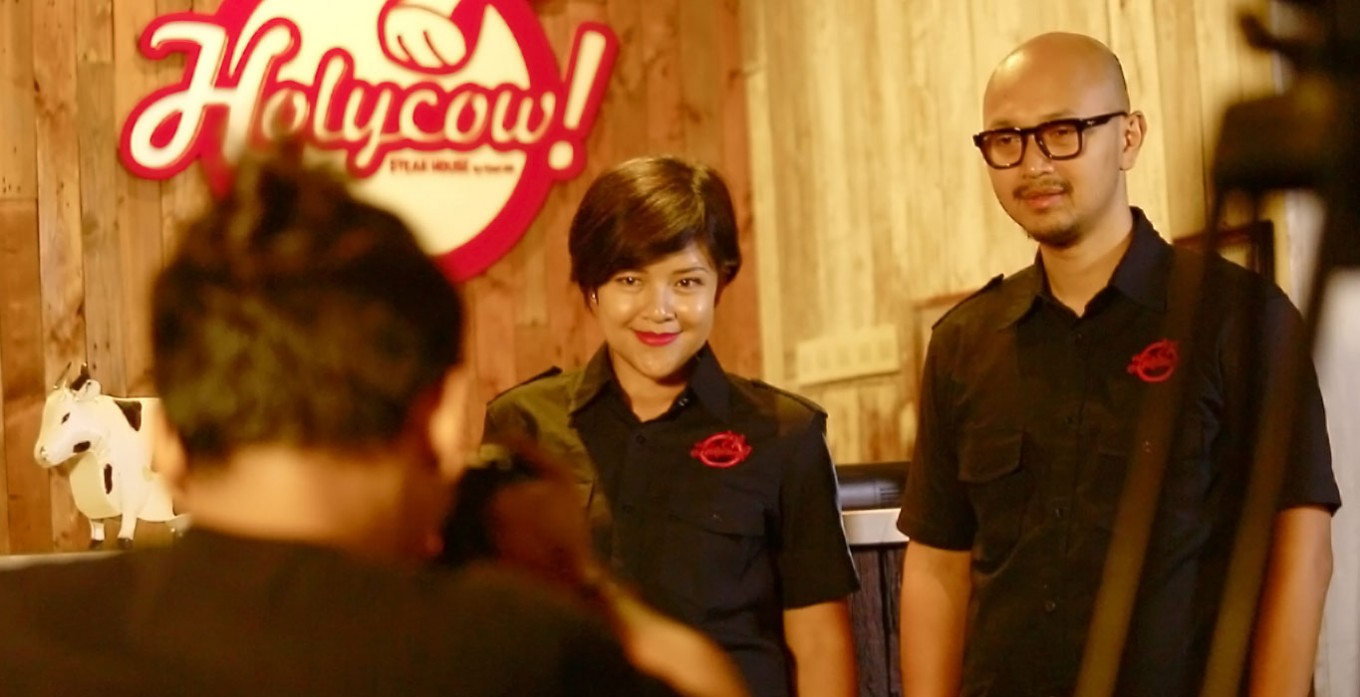 Listening to customers via Twitter: Holycow Steakhouse by Chef Afit