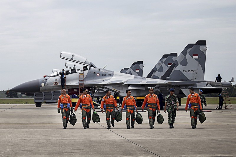 Indonesia to barter coffee, CPO for Russian jet fighters
