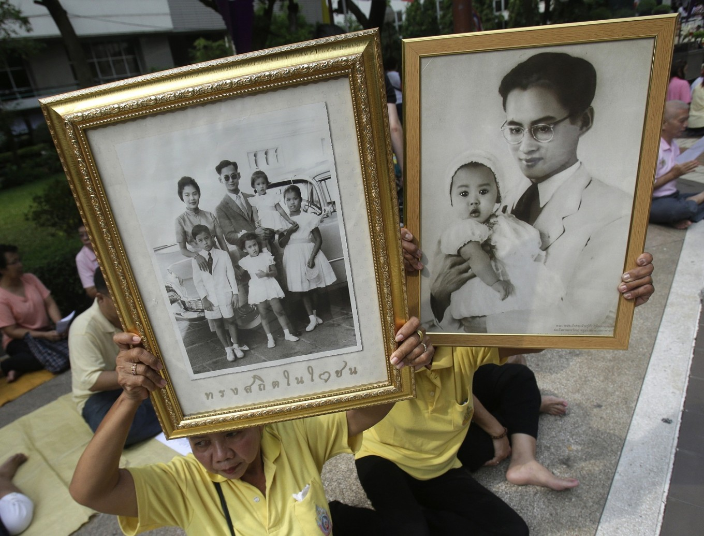 Jokowi expresses condolences following King Bhumibol's passing