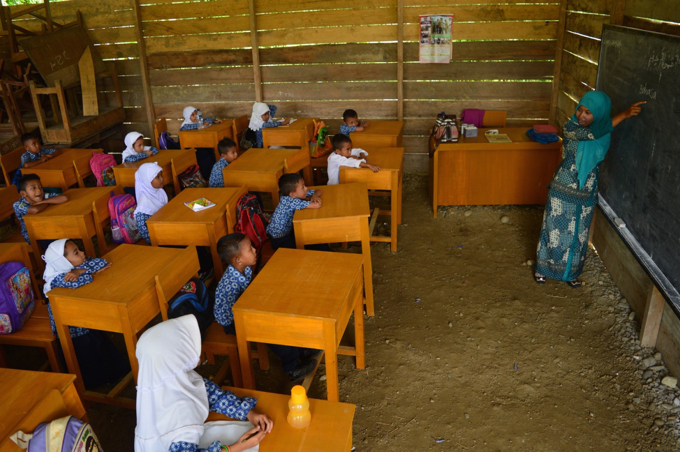 Young teachers fill-in education gaps across the archipelago, one year at a time