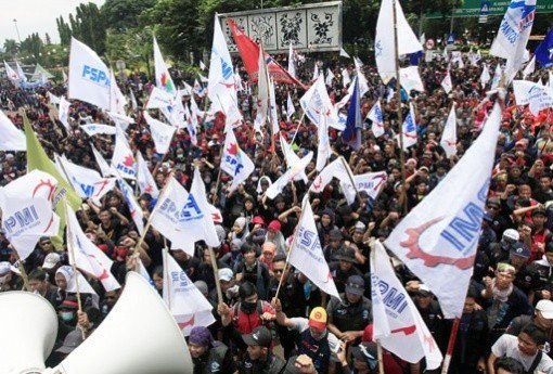 Businesspeople brace for Dec.2 labor union strike