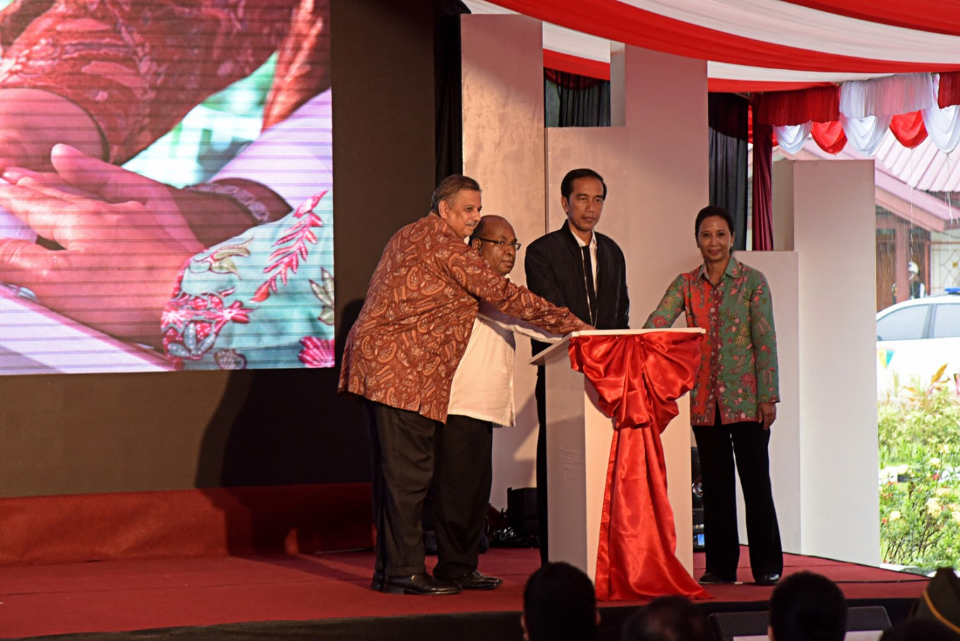 PLN signs deal to expand electricity in two provinces in Papua