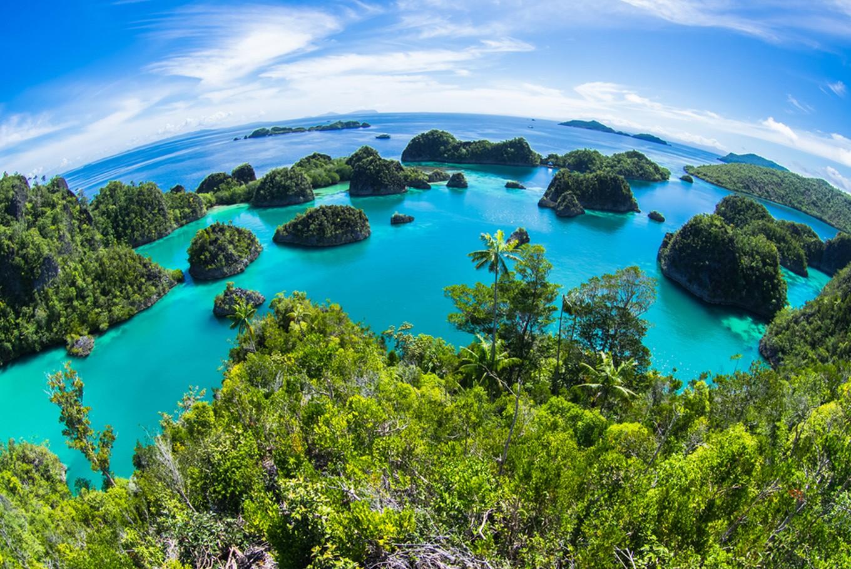 Raja Ampat - Wisata pantai terindah di Indonesia