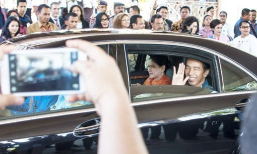 Jokowi instructs local administrations to combat illegal levies