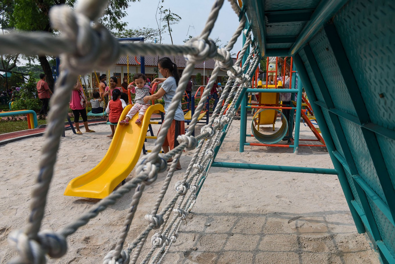 Jakarta administration aims to build 200 more playgrounds this year