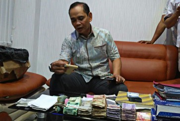 10 arrested over alleged illegal levies in S. Sulawesi