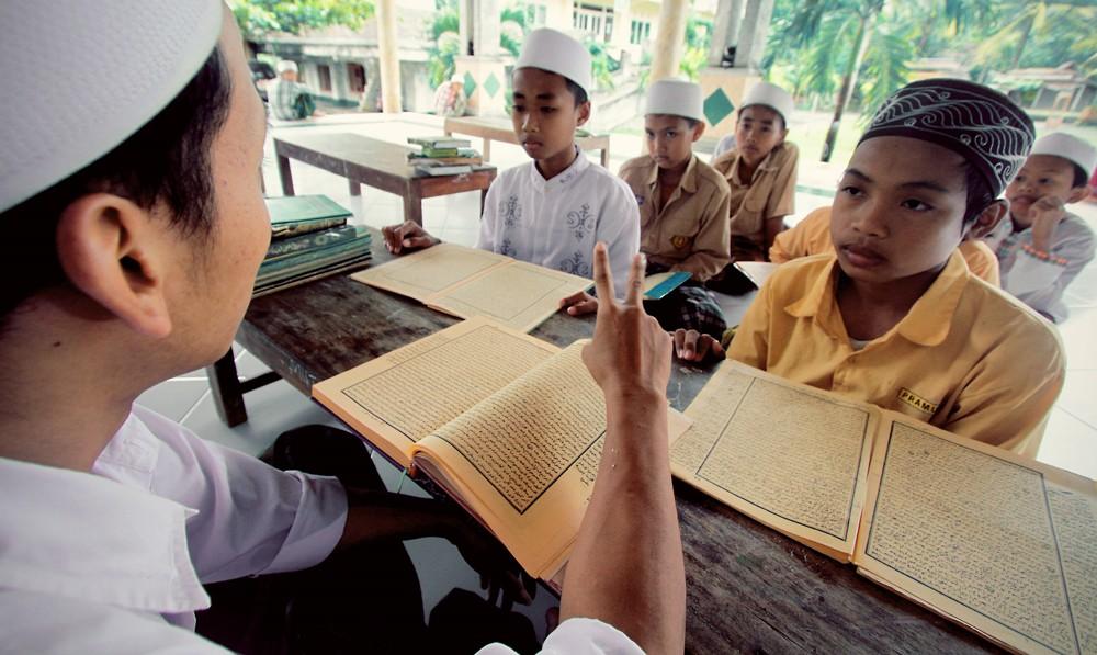 Indonesian teachers struggle to promote tolerance