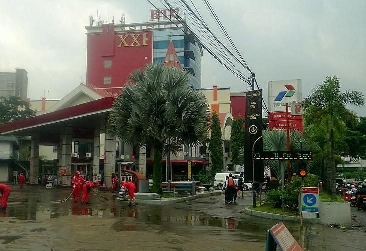 Bandung blames heavy rain, poor drainage for flash flood