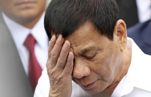 Duterte ignores threat of suit in international court