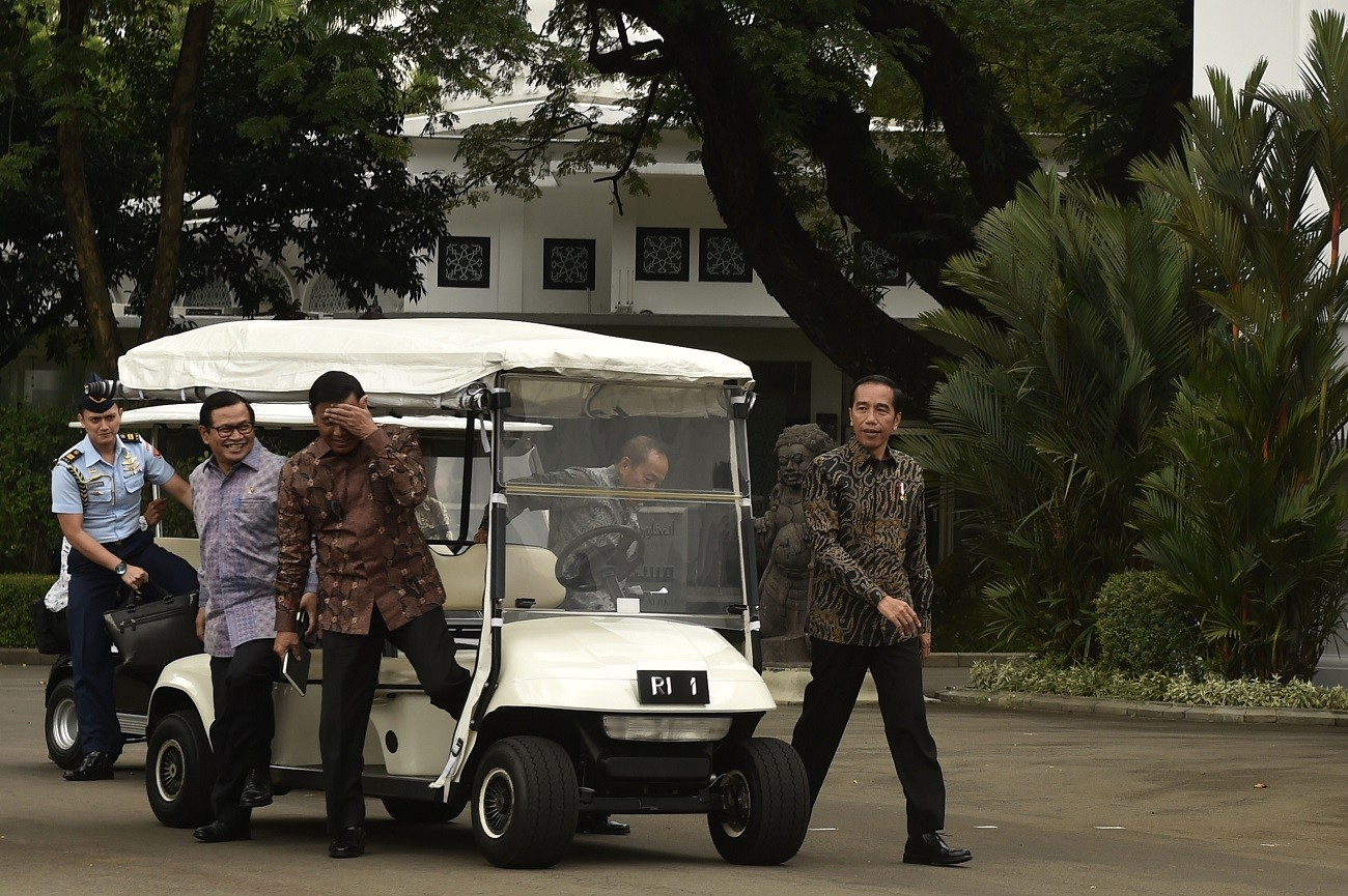 Jokowi backs graft probe into Cabinet members