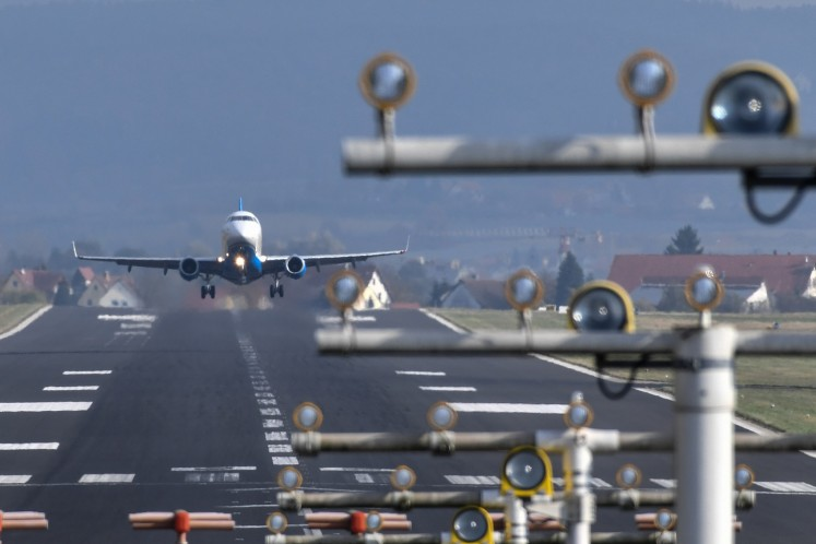 Longest commercial flight touches down in Auckland