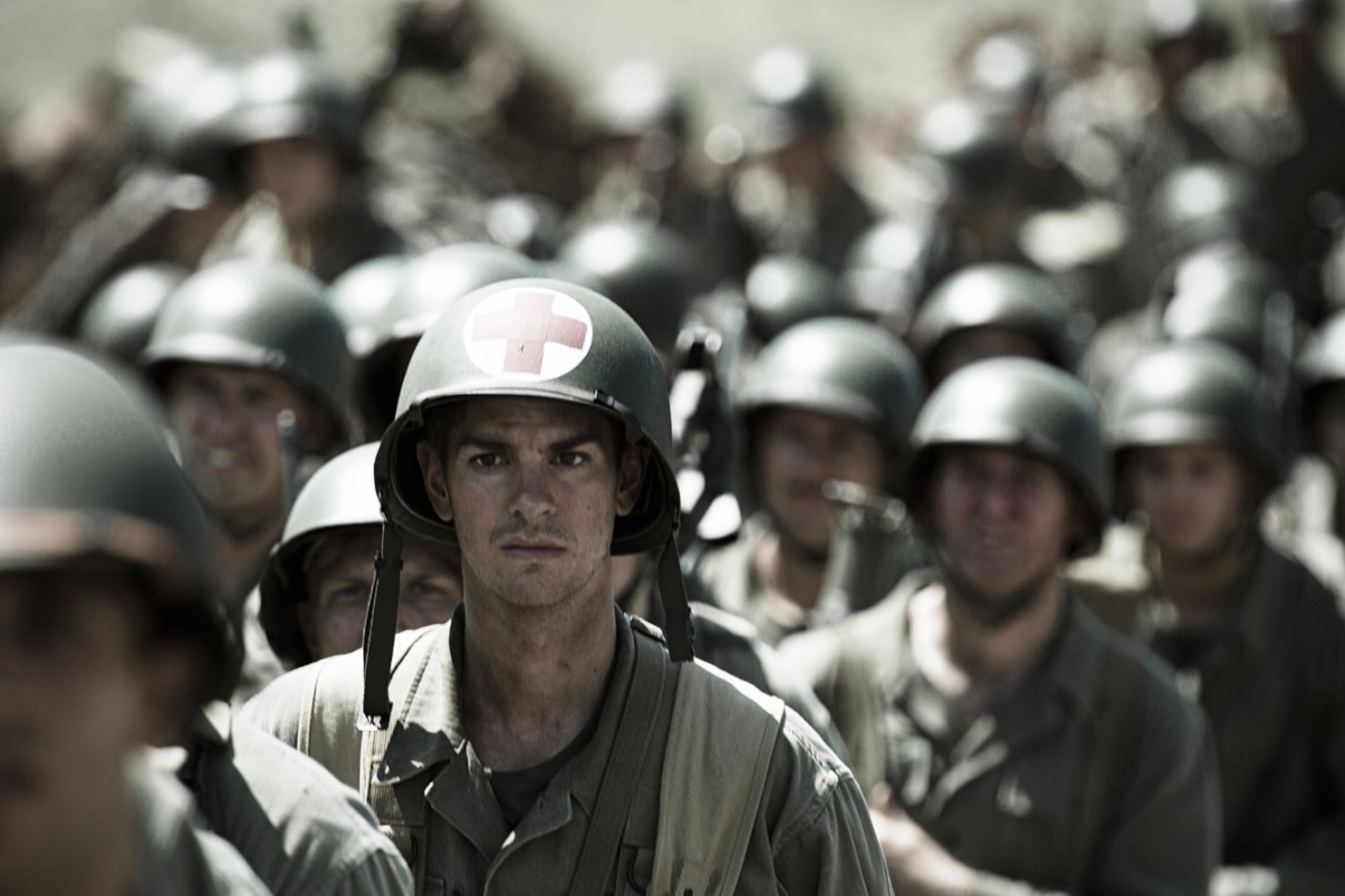 Review Gibson Returns With True Story Of Bravery In Hacksaw Ridge Entertainment The Jakarta Post