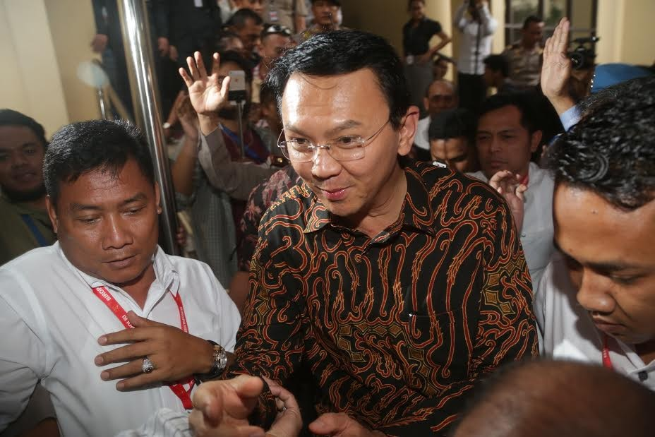 Scores of lawyers ready to defend Ahok in blasphemy case