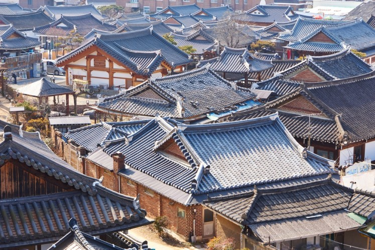 Walking down traditional Korean lanes in Jeonju