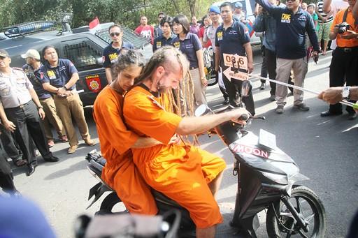 Brit, Australian on trial for killing Balinese policeman