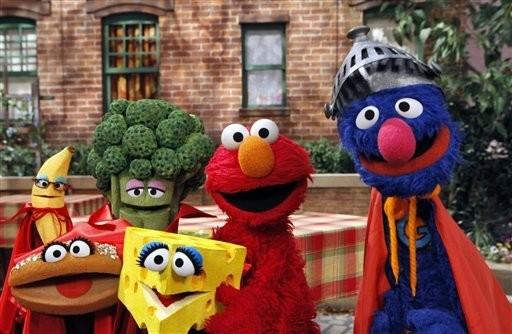 Watch 'Sesame Street' muppets, actors do Mannequin Challenge