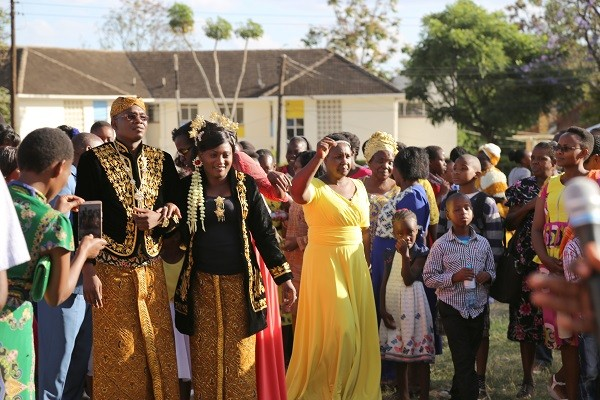 Kenyan couple's wedding showcases Indonesian culture