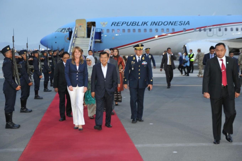 Kalla arrives in Peru to attend APEC trade summit