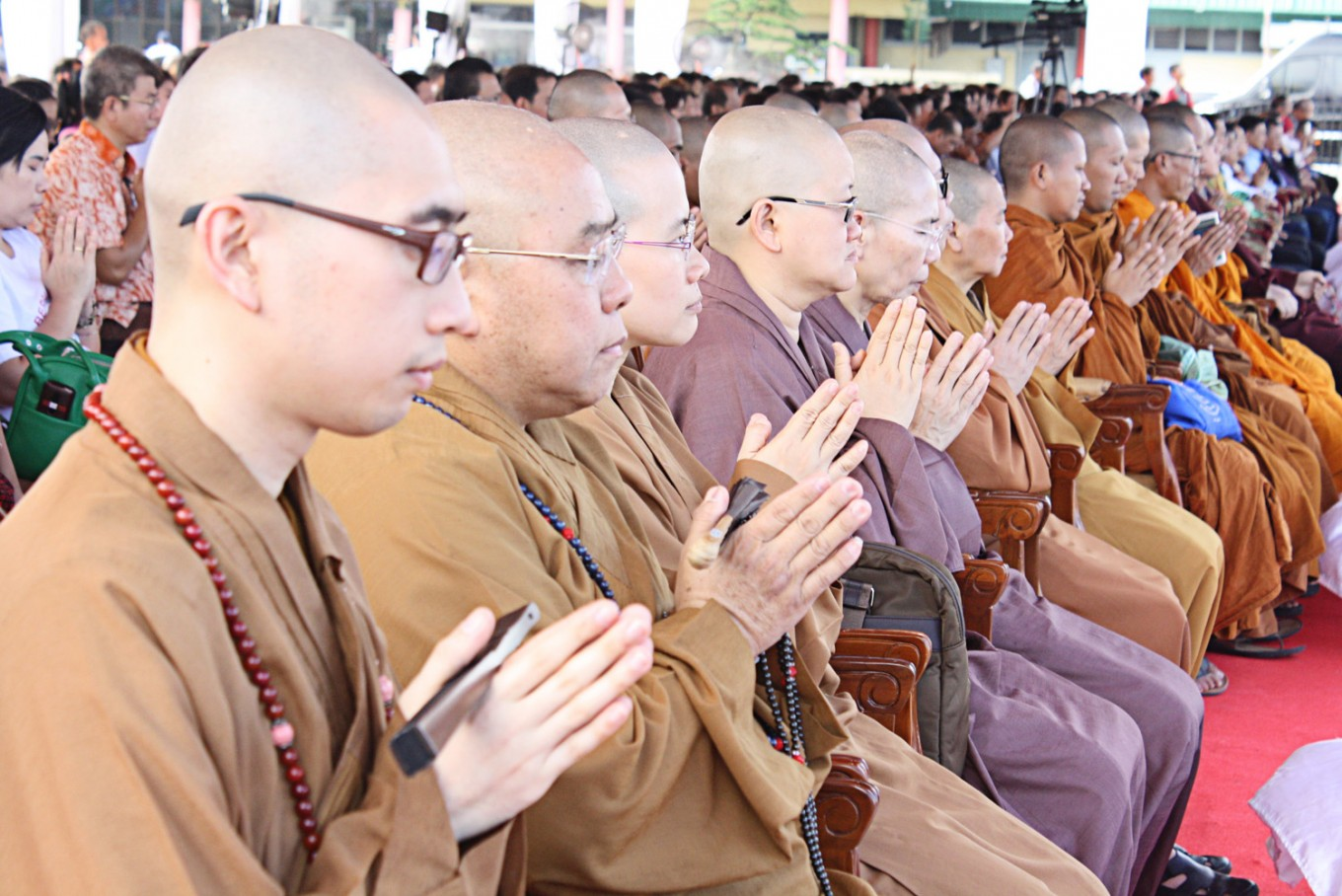 Buddhists pray for peace, tolerance in Indonesia