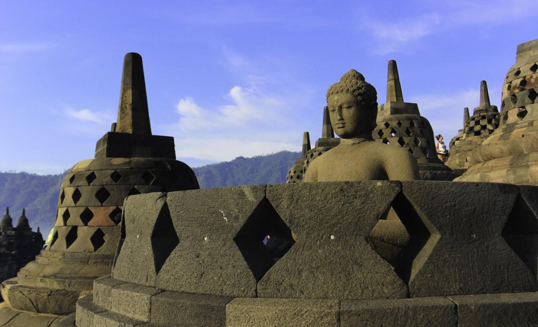 UI archaeology professor weighs in on Borobudur's 'chattra' restoration