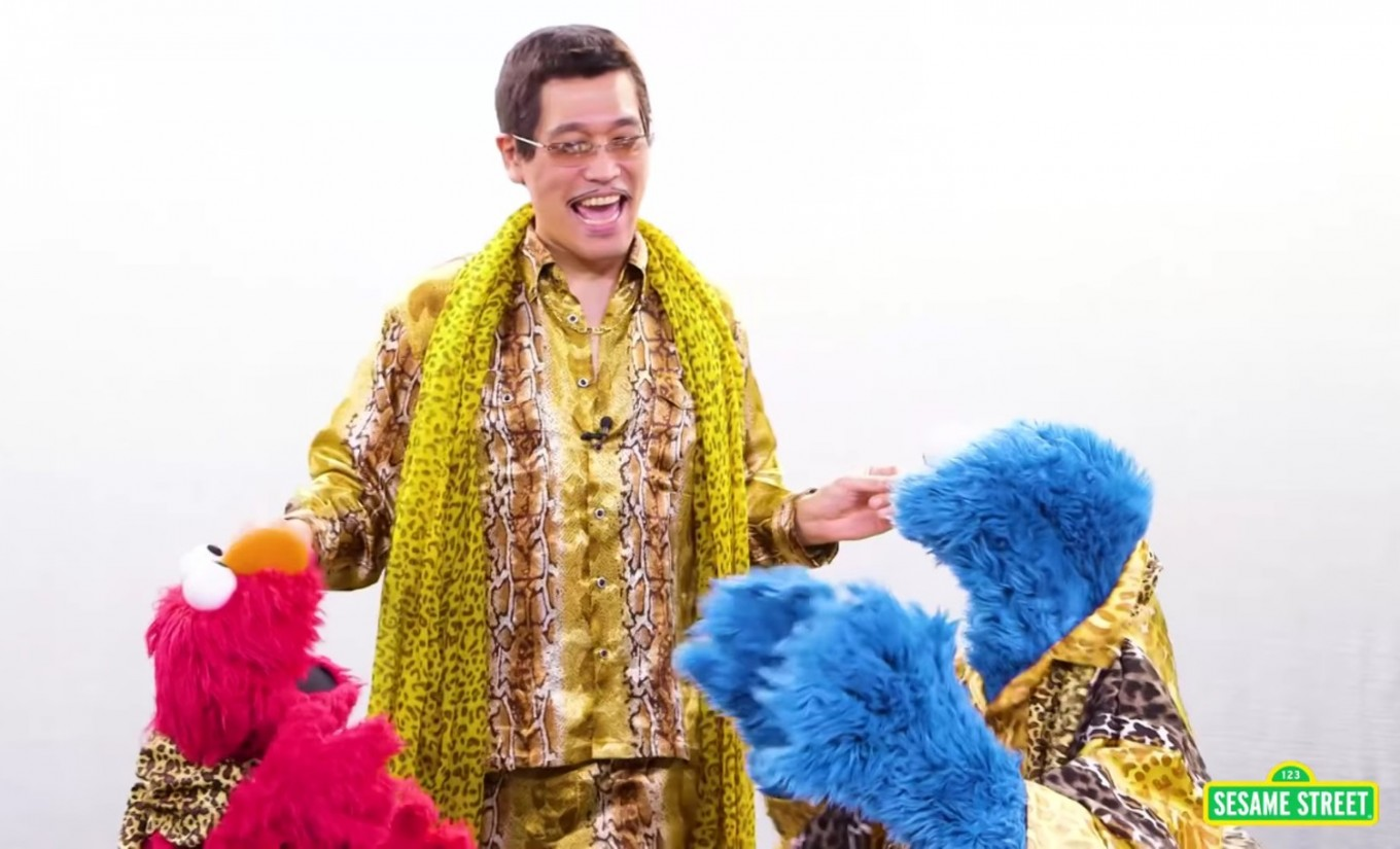Watch Piko-Taro tutors Elmo, Cookie Monster in 'Sesame Street'