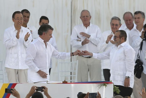 With less fervor, Colombia takes another stab at peace