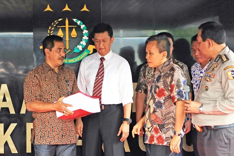 Police finish Ahok probe as Dec. 2 rally looms