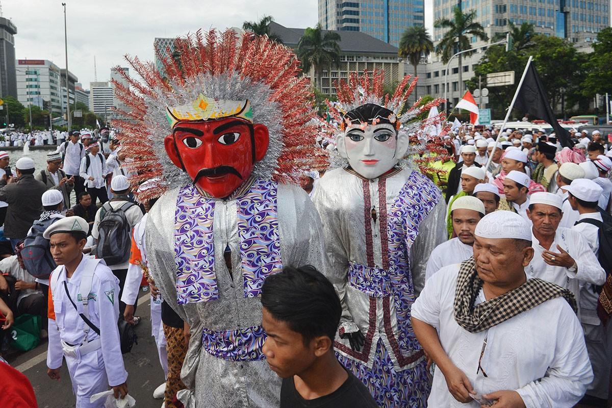 Mass prayer becomes 'cooler' with Jokowi's presence: MPR