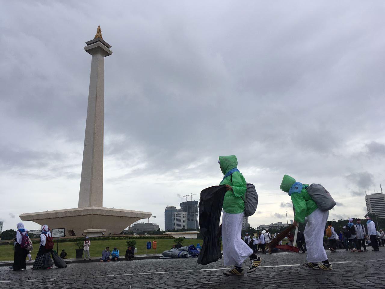 Dec. 2 rally participants leave site clean