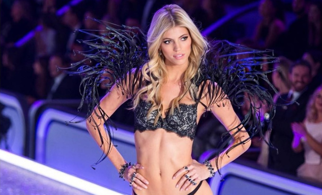 Victoria's Secret models strut catwalk wearing Indonesian designers' creations