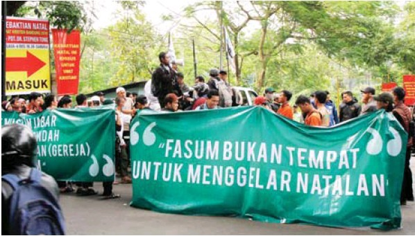 Christmas service in Bandung canceled due to protest