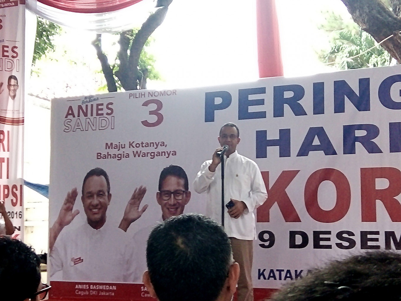 Anies, Sandiaga criticize Jakarta's low budget spending, policies