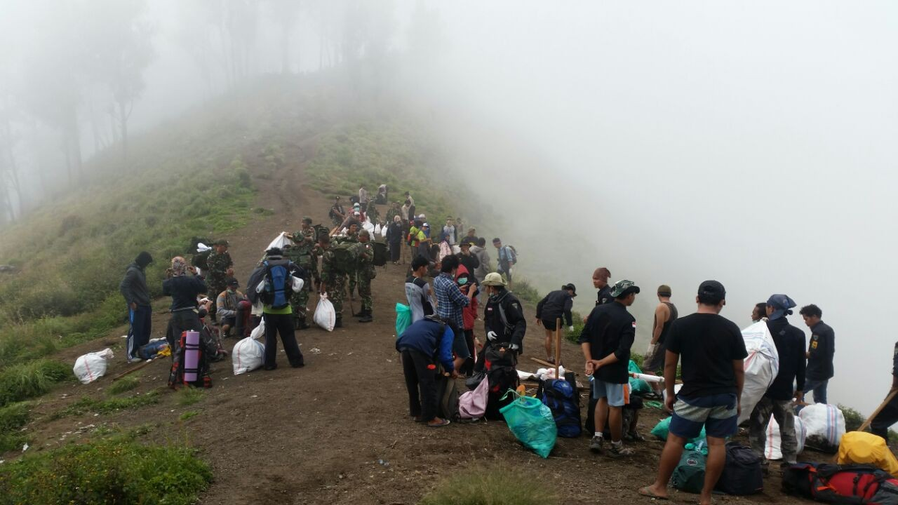NTB creates task force to tackle garbage on Mt Rinjani