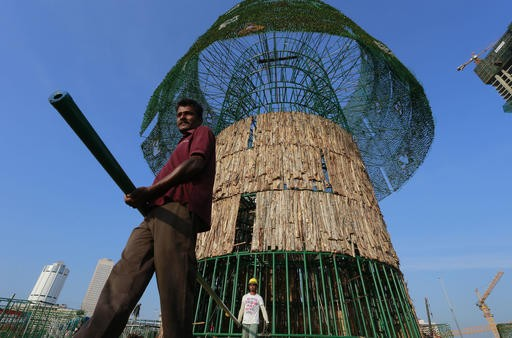 Sri Lankans rush to build towering Christmas tree on time