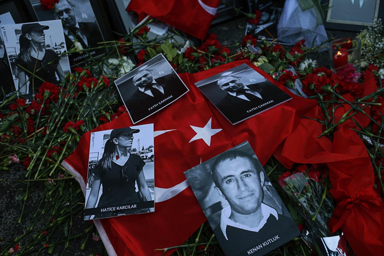 Video shows man believed to be nightclub attacker in Turkey